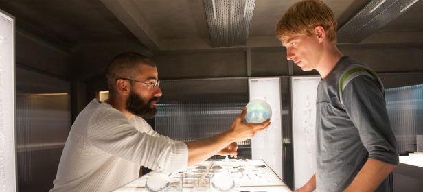 Oscar Isaac and Domhnall Gleeson talk AI in Ex Machina