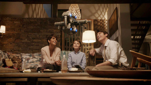 Extant Season 1 Halle Berry and family