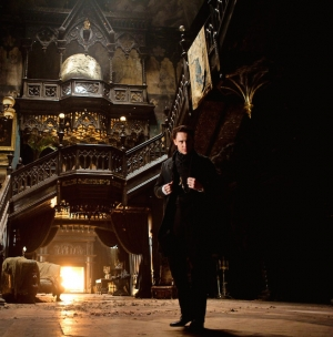 Crimson Peak Tom Hiddleston new picture goes full Gothic