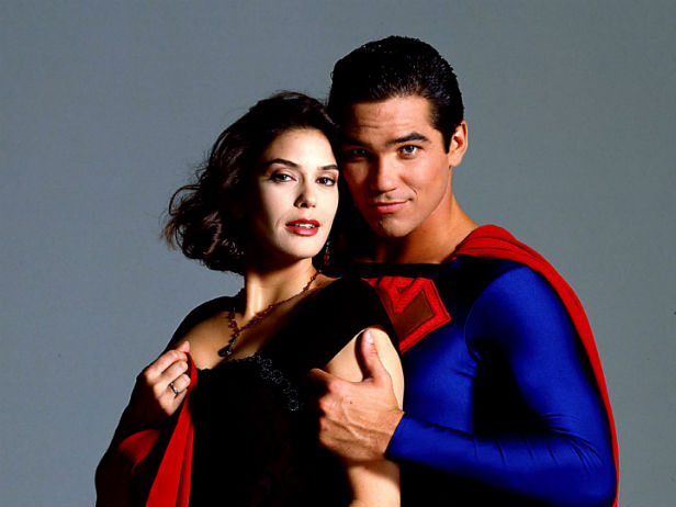 Teri Hatcher and Dean Cain in Lois & Clarke