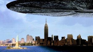 Independence Day 2 casts It Follows star