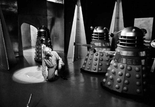 1st-Doctor-VS-Daleks