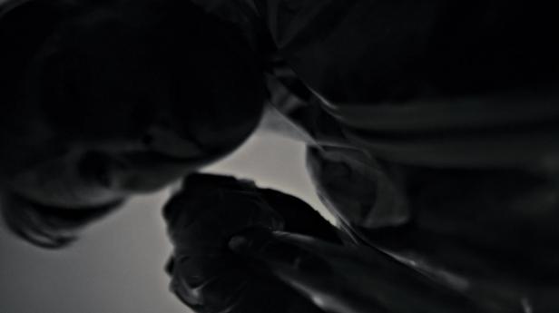Hannibal_S02E01_1080p_kissthemgoodbye_net_3230