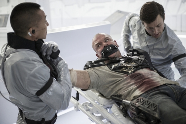 Machines cure diseases and regenerate new body parts in Elysium