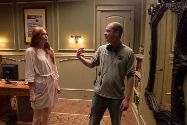 Mike Flanagan directing Karen Gillan in Oculus