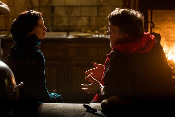 Del Toro and Jessica Chastain