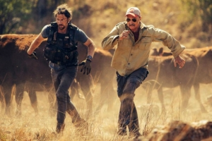 "Tremors 5 is going to ""bring the scary back"""