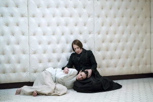 Penny Dreadful Season 3 first look at Eva Green and Patti LuPone