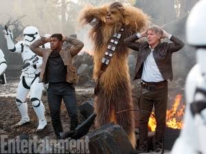 Star Wars: The Force Awakens new stills and EW covers keep on giving