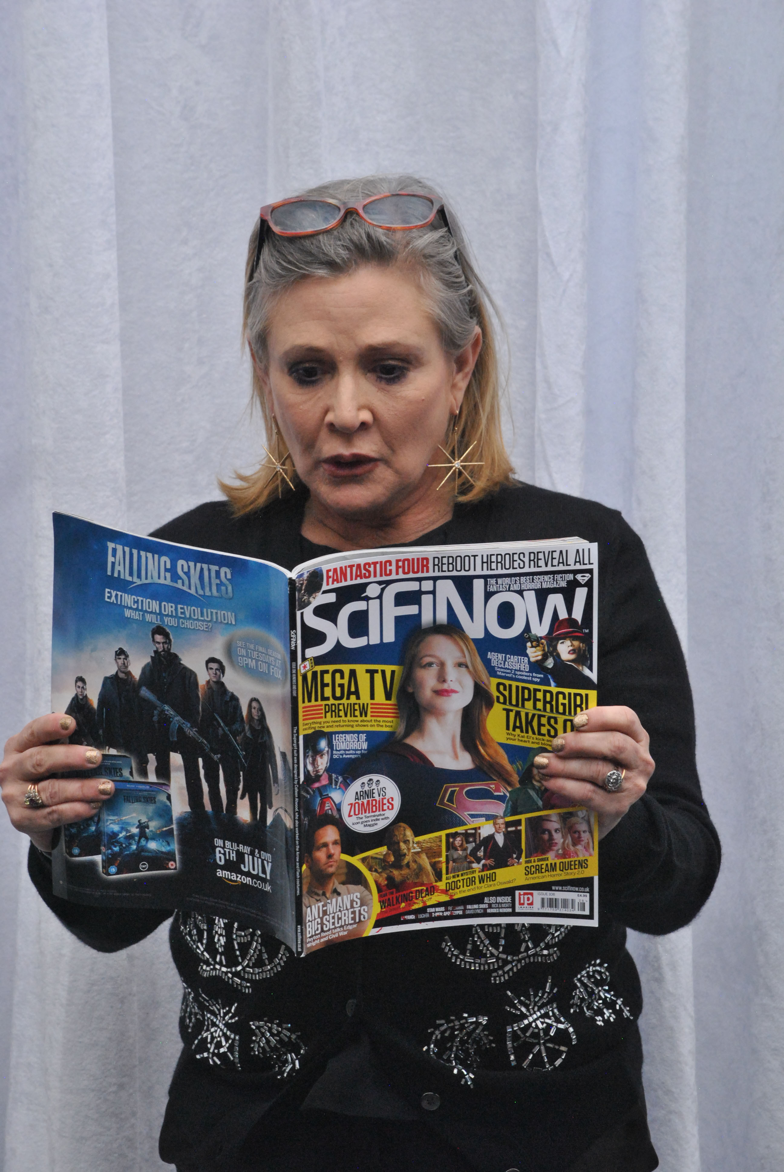 Carrie Fisher 120415 Star Wars The Force Awakens - 41