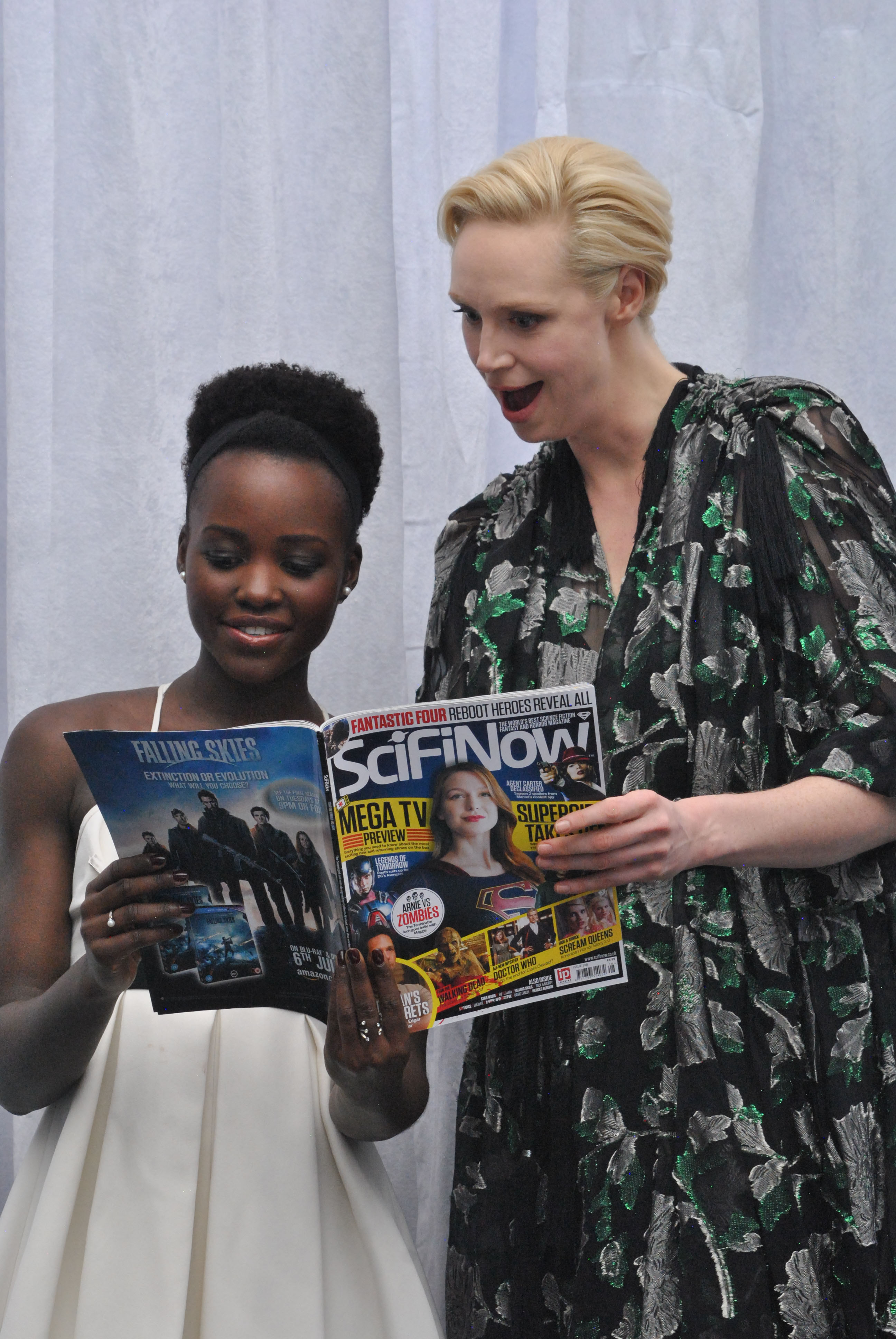 Lupita Nyong'o & Gwendoline Christie 120415 Star Wars The Force Awakens - 39(1)