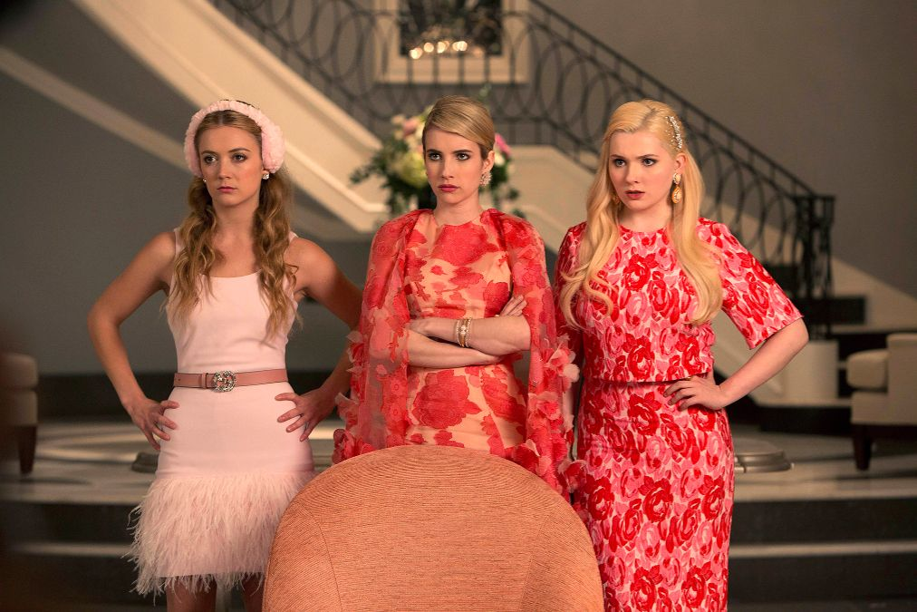 ScreamQueens_Pilot101-SororityGrandHall_0397r_hires1.0
