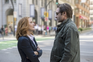 "Chris Carter on why ""it's the perfect time for an X Files story"""