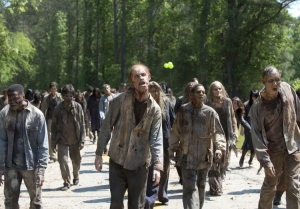 "Walking Dead: ""Jeffrey Dean Morgan plays Negan to the hilt"""