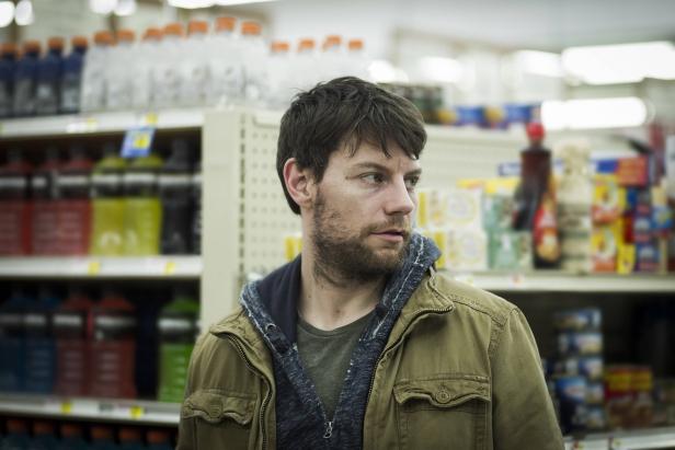 Outcast .episode 1.Patrick Fugit as Kyle Barnes