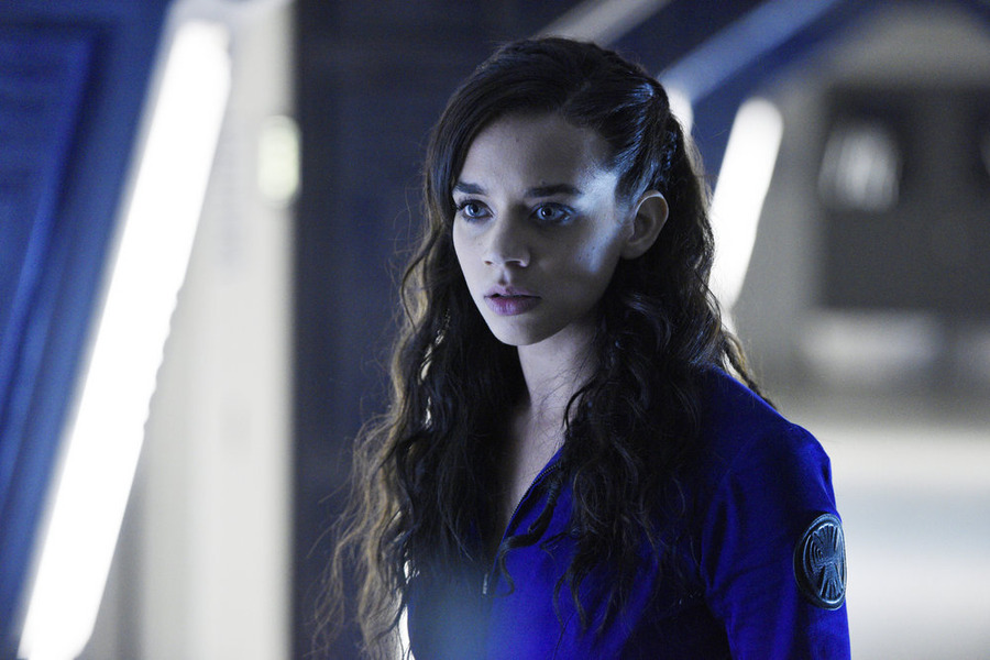 """KILLJOYS -- """"A Glitch in the System"""" Episode 105 -- Pictured: Hannah John-Kamen as Dutch -- (Photo by: Steve Wilkie/Temple Street Releasing Limited/Syfy)"""