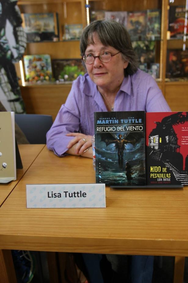 Tuttle, Lisa