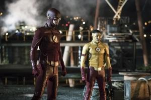 Flash Season 3 pics team up Barry and Wally