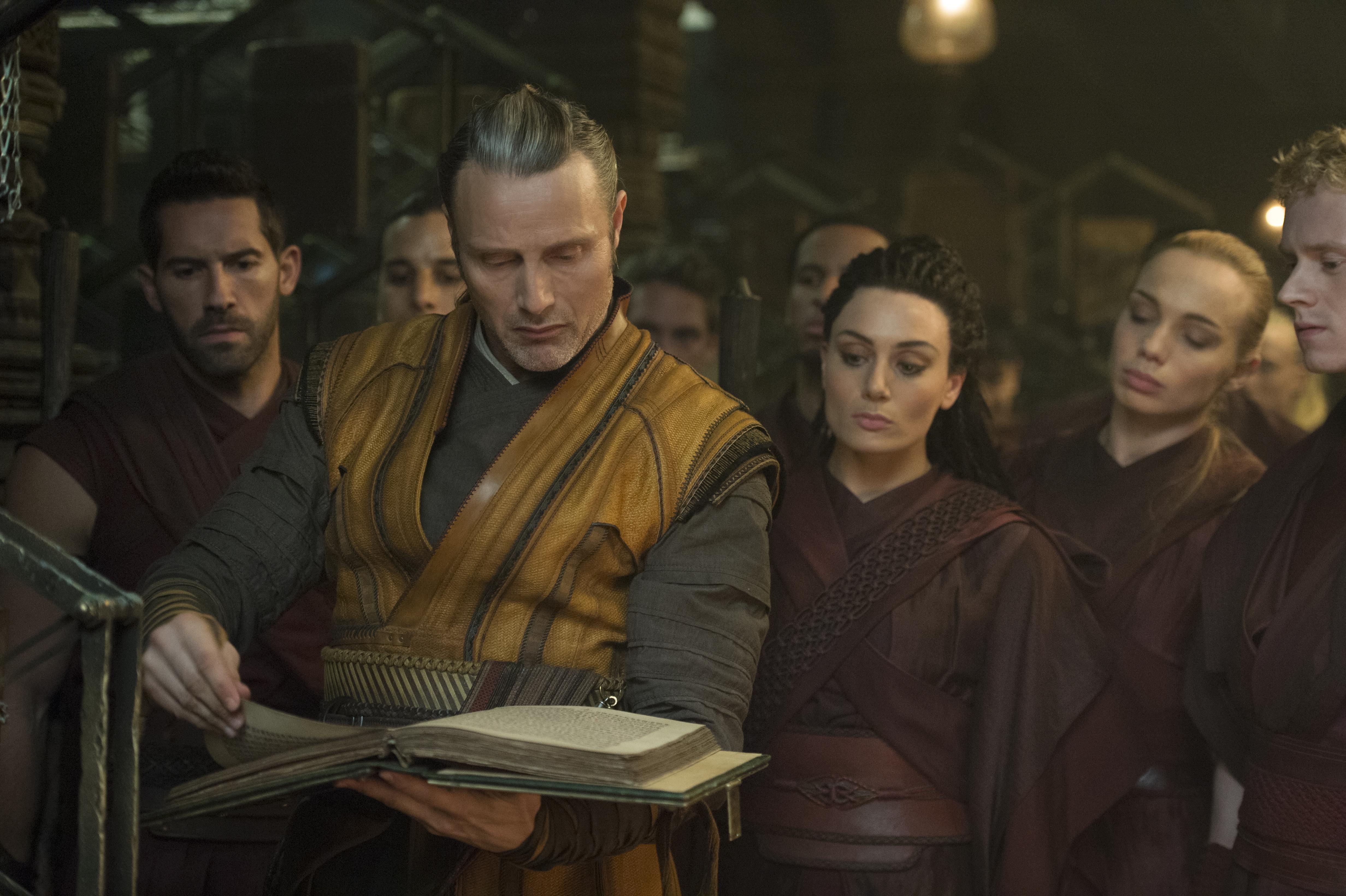 Mads Mikkelsen making reading more awesome, also in Doctor Strange