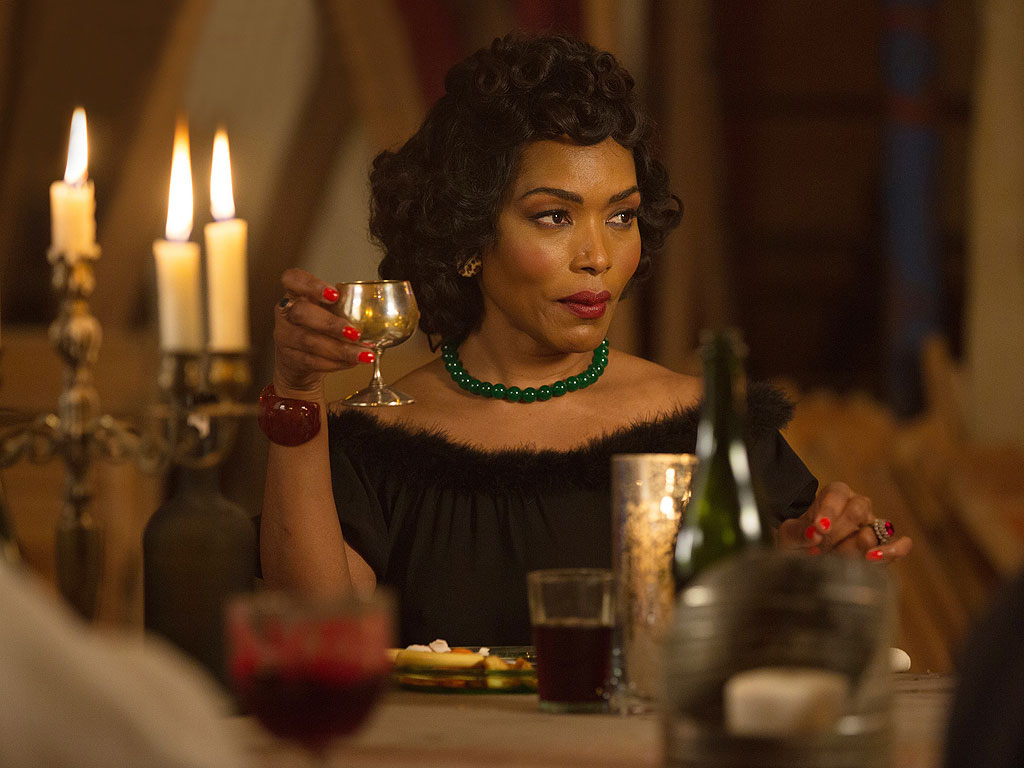 black-panther-angela-bassett