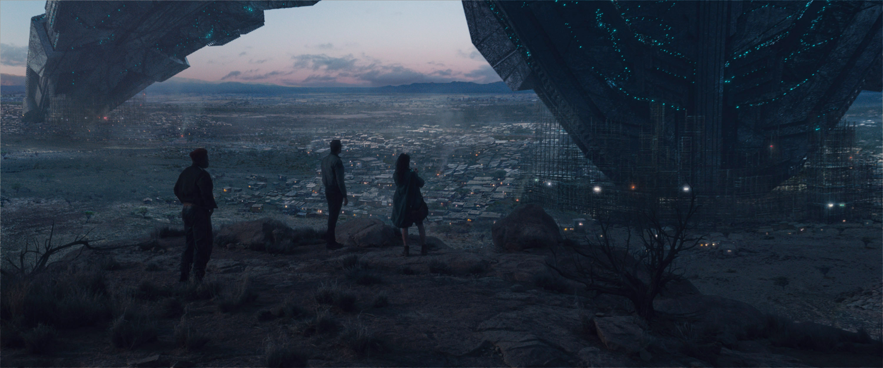 ID2_TR1_000_0030_ref_still-comp-01094_v0013r - Scientists survey the wreckage of a downed alien mothership. Photo Credit: Courtesy Twentieth Century Fox