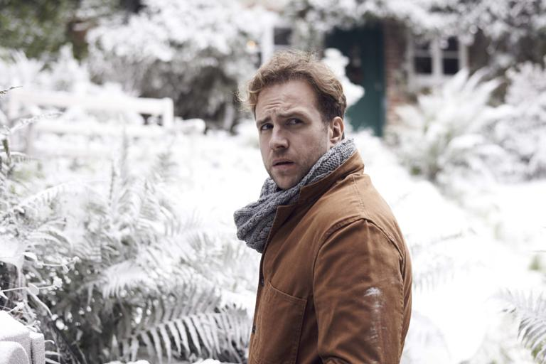 gallery_uktv-black-mirror-christmas-special-2014-5