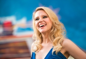 Kate McKinnon to star in a lunch lady witch YA film, praise the movie gods