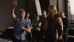 Thor: Ragnarok official synopsis and set photo has us buzzing