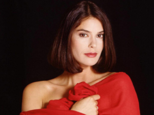 Supergirl news: Teri Hatcher joining Season 2 and more
