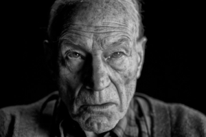 "Patrick Stewart: ""Logan is a political movie"""