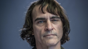 "Joker first look at Joaquin Phoenix as ""Arthur"""