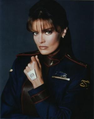 Tracy Scoggins on Babylon 5, Lois & Clark, Leonard Nimoy and more