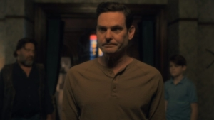 The Haunting Of Bly Manor casts Hill House star Henry Thomas