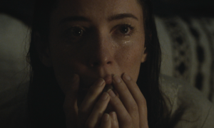 The Night House Review: Worth A Visit