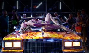 Titane Review: A Fleshy Joyride